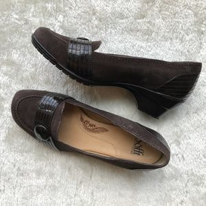 "Sofft Brown Seude LeatherLoafer W/2"" Heel Size 8.5"